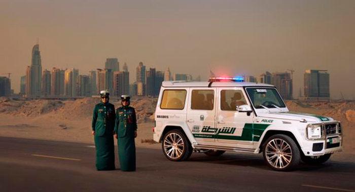 Coche de policía Mercedes Benz G63 AMG