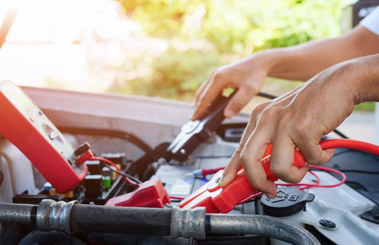 coche mantenimiento bateria desgaste calor