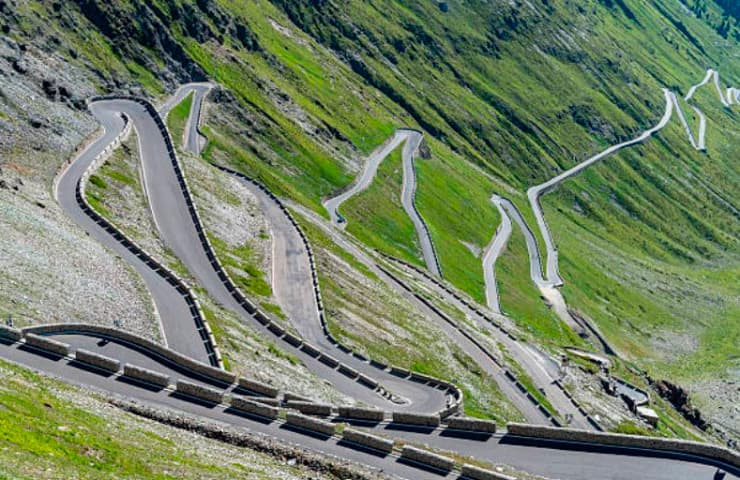 coche mareo motor carretera ruta