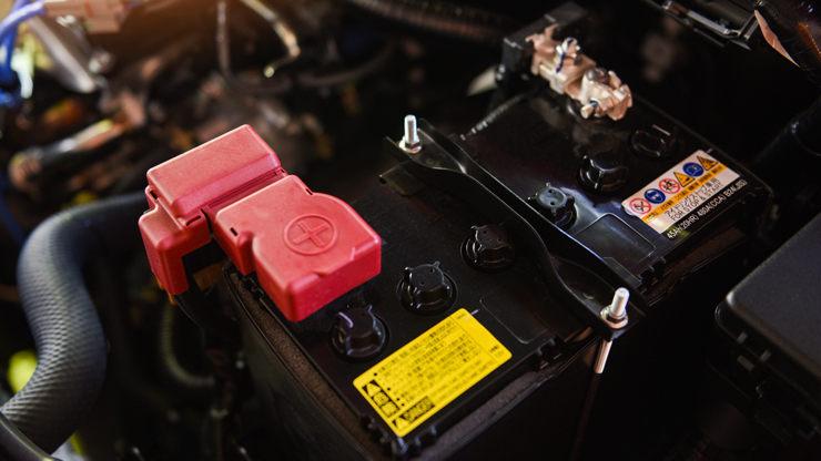 bateria coche verano conectada