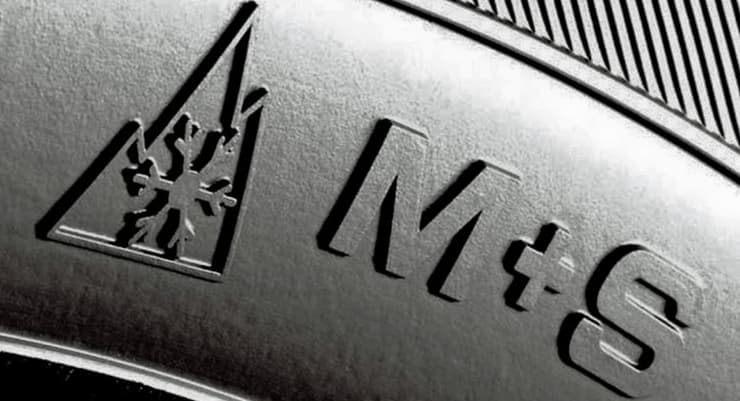 neumatico  invierno simbolo nieve barro