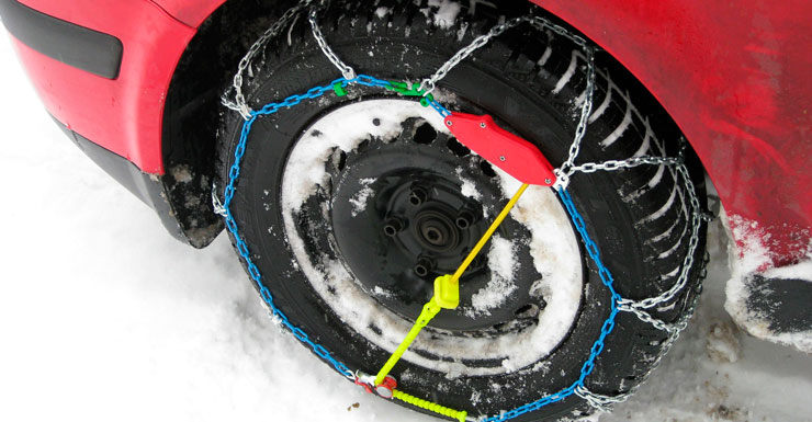 cadenes neu cotxe gel montar pneumàtics hinvern