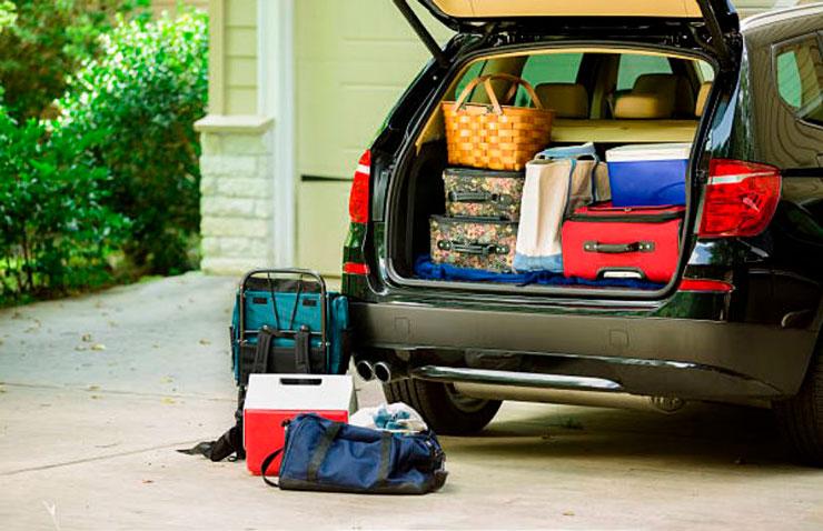 coche maletero maletas