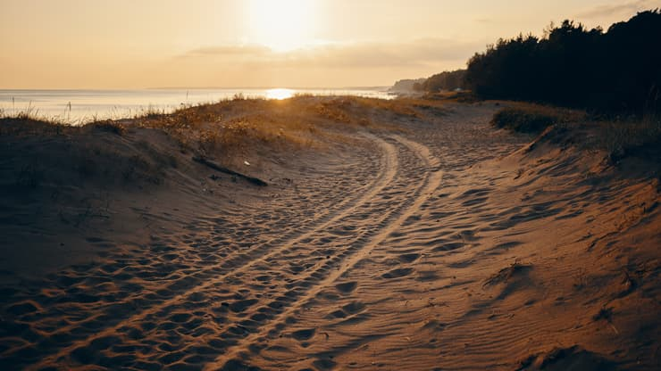 playa carretera coche ruedas