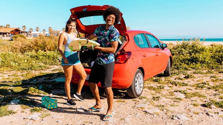 coche maletero playa surf